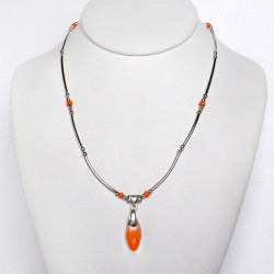 Collier délicatesse orange