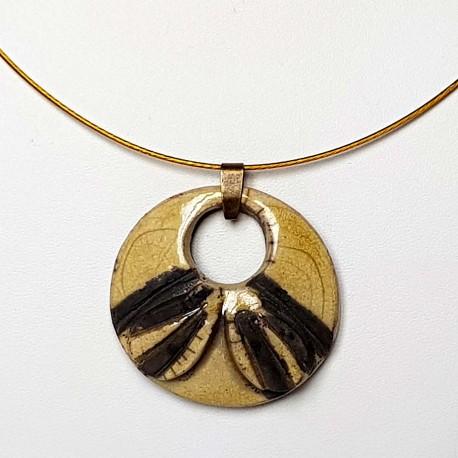 Collier  artisanal rond jaune et noir