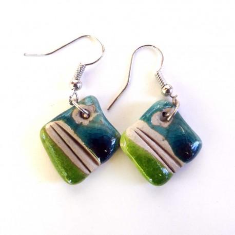 Boucles d'oreilles fines bleues et vertes