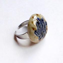 Bague ronde en grès décor palmette bleue intense
