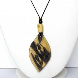 Collier original et artisanal  fantaisie  jaune et noir