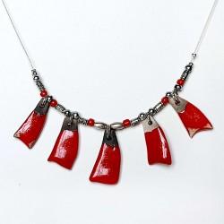 Collier rouge  chic fantaisie élégante