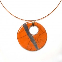 Collier lumineux au grand médaillon orange raku