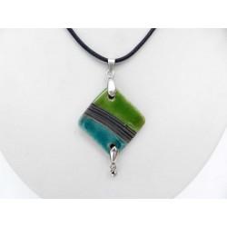 Collier chic brillant turquoise et cube hématite