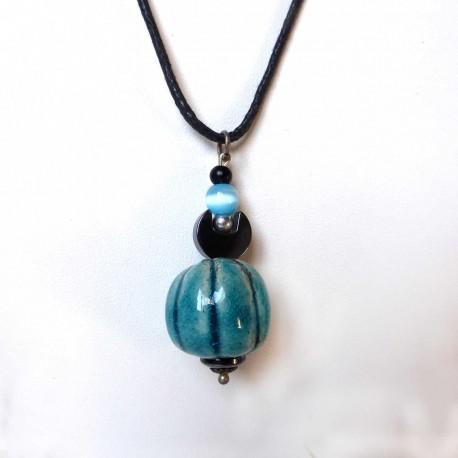 Collier boule bleu turquoise et noir réglable