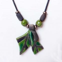 Collier vert fantaisie doubles  feuilles