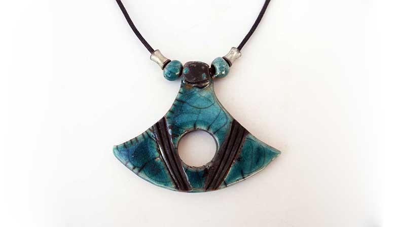 Collier turquoise raku